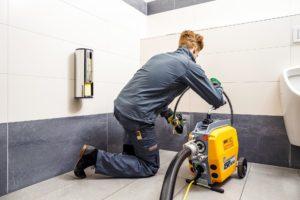 Прочистка канализации в квартирах, домах, офисных зданиях