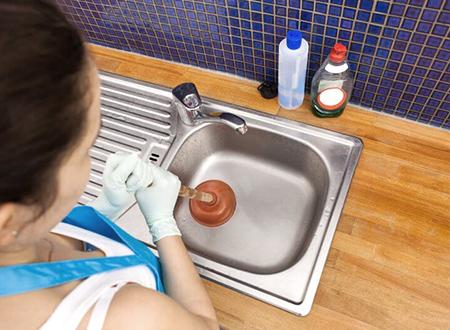 Как прочистить забитую канализацию