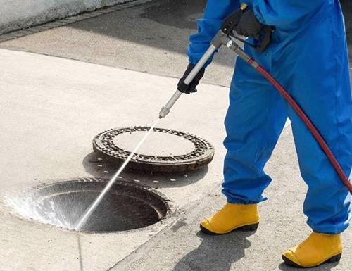 Чистка колодцев канализации