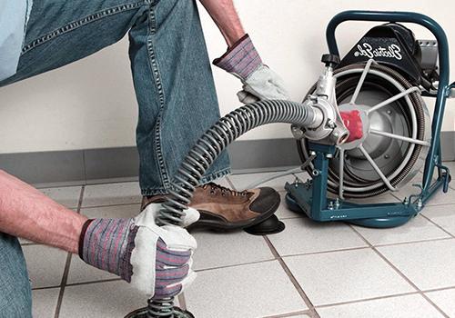Профессиональная чистка канализации машиной